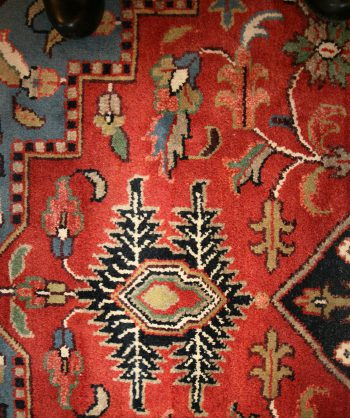 Antique Traditional Rug (17-065)