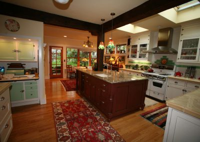 oriental rugs can bring out a kitchen