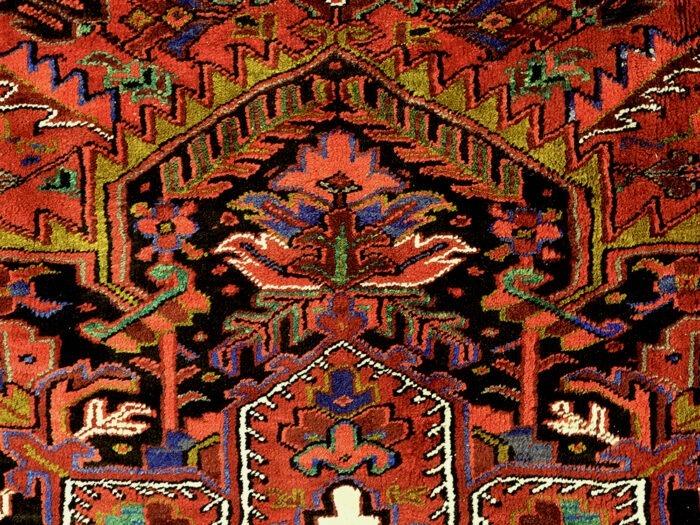 Hand-woven Traditional Wool Heriz